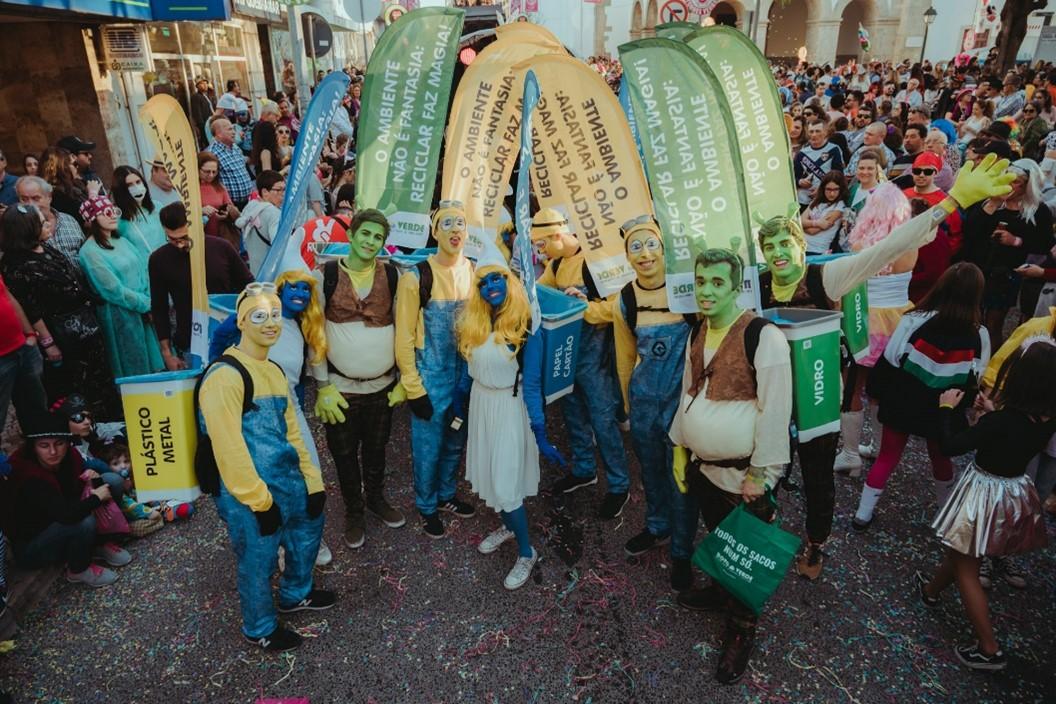 Ecopontos humanos no Carnaval de Torres Vedras